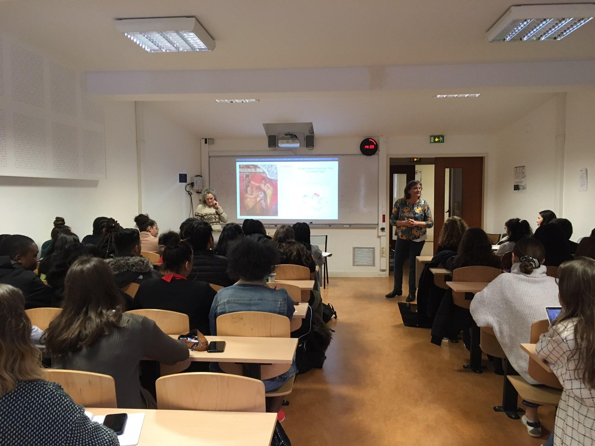 Les élèves préparant Sc-po Dauphine à la rencontre des membres du Grand Palais et de Dauphine : une 1ere etape du projet de médiation culturelle