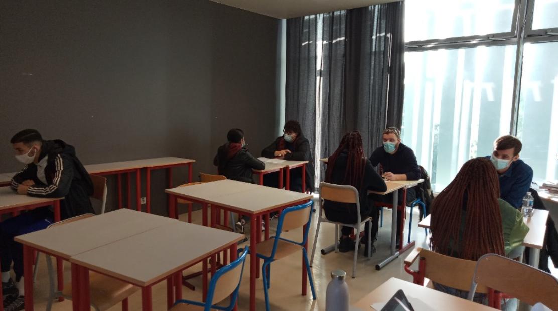 Participation des élèves de Première à une étude socio-économique